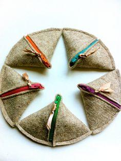 SAMOSA Change Purse Natural Wool Felt colored by hoshiidesigns, $8.50