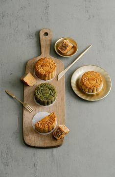 Food Photography & Food Styling by RustoKitchen. Last year we had a leisure to shoot premium mooncake collection for Intercontinental Saigon. Cake Photography, Food Photography Styling, Fall Recipes, Asian Recipes, Pond Cake, Chinese Moon Cake, My Favorite Food, Favorite Recipes, Fall Cakes