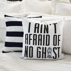 Halloween Pillow, I Ain't Afraid of No Ghost, Halloween Decor, Fall pillow, Fall Decor Fall Pillows, Diy Pillows, Decorative Pillows, Homemade Halloween, Fall Halloween, Halloween Crafts, Halloween Ideas, Halloween Party, Vintage Halloween Decorations