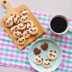 panda …?? パンダ?のアイスボックスクッキー お世辞にも可愛いとは言えない、ふてくされパンダ #panda #cookies #sweets #coffee #homemade #パンダ #クッキー #アイスボックスクッキー #スイーツ #お菓子 #おやつ #コーヒー #手作り