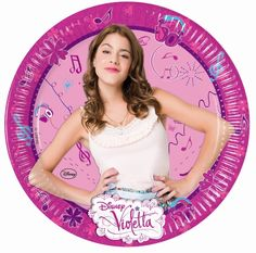 Violetta plates to organize a great birthday party with Violetta and her friends from the Disney Series. #violetta #violettaparty