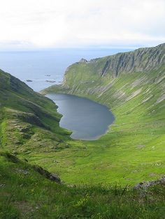 Lofoten Islands •´¯`•.¸¸.♡ #landscape