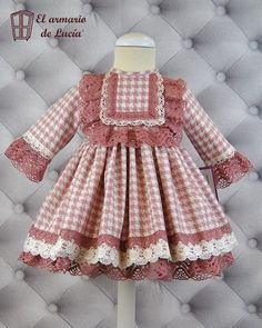 53 trendy Ideas for sewing baby doll clothes children Girls Dresses Sewing, Frocks For Girls, Kids Frocks, Little Girl Dresses, Baby Girl Fashion, Kids Fashion, Baby Girl Dress Design, Robes D'occasion, Baby Frocks Designs