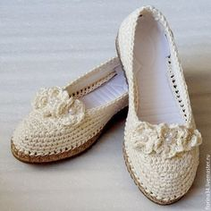 Magazinul Fair Masters on-line. Crochet Sandals, Crochet Boots, Crochet Slippers, Knit Crochet, Crochet Backpack Pattern, Shoe Cupboard, Crochet Flip Flops, Spring Boots, Shoe Pattern