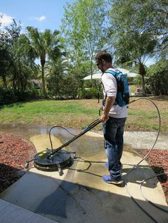 Pressure washing a sidewalk at someone's home in west palm beach, fl. Roof Cleaning, Household Cleaning Tips, Cleaning Checklist, House Cleaning Tips, Diy Cleaning Products, Deep Cleaning, Spring Cleaning, Cleaning Hacks, Pressure Washing Tips