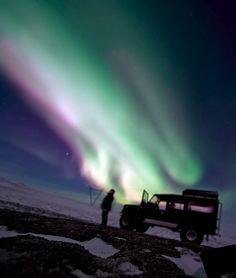 Land Rover Defender. Aurora Borealis or Aurora Australis? Don't know but it's awesome