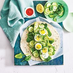 A healthier WW recipe for Spicy egg and avocado wrap ready in just . Get the SmartPoints value plus browse other delicious recipes today! Avocado Wrap, Avocado Baby, Avocado Egg, Avocado Toast, Spinach Leaves, Baby Spinach, Ww Recipes, Healthy Recipes, Healthy Wraps