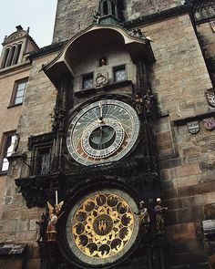 Prague astronomical clock #czechrepublic #czech #astronomicalclock #astronomical #clock #clocks #prague #watch #zodiac #zodiacsigns #zodiacsign #saint #saints #church #churches