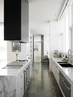 Calcatta quartz kitchen countertops for a modern kitchen design and redo Kitchen Marble, Kitchen Interior, Kitchen Inspirations, Interior, Kitchen Remodel, Kitchen Dining, Home Kitchens, Apartment Kitchen, Kitchen Style