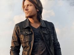 """Watch Keith Urban's New """"For You"""" Video 