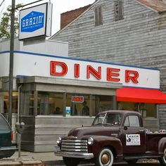 Grazin' - The USA's first Animal Welfare-approved restaurant opens in a '50s diner in Hudson, NY. Everything farm fresh, organic and free-range. Best diner ever!!!! (and I hate diners)