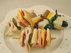 Lunch box Kabobs! With Boars Head: Vermont cheddar cheese, Black Forest Ham, pickle slice, roast beef, spring greens and topped with a blueberry or olive. Use a Popsicle stick instead of a pointed stick to avoid accidental injuries.