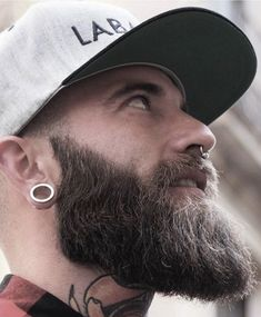 Piercing Men Face Facial Hair Ideas For 2019 Smiley Piercing, Septum Piercing Men, Mens Piercings, Facial Piercings, Face Facial, Facial Hair, Beard Head, Mens Hairstyles With Beard, Scruffy Men