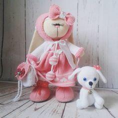 Ну очень люблю я эту красотку...она укатила сегодня от меня...Я буду по ней скучать.Да кстати по этому наряду готов мастер-класс, по его приобретению пишите в директ. #вязаниеворенбурге#вязаниедетям#вязаниеназаказ#игрушкавязаная#вязаниекрючком#вяжуназаказ#вязаниеспицами#амигуруми#заяцтильда#тильдазаяц#подарокдлядевочки