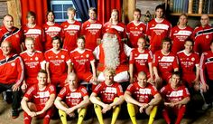 FC Santa Claus: El fútbol más navideño: http://www.elenganche.es/2012/12/fc-santa-claus-el-futbol-mas-navideno.html