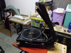 Grammofono La Voce del Padrone ben tenuto e funzionante