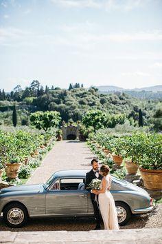Rustic Chic Greenery Wedding Ideas in Tuscany Italian Wedding Themes, Rustic Italian Wedding, Tuscan Wedding, Garden Wedding Inspiration, Wedding Ideas, Wedding Details, Italian Vineyard, Vineyard Wedding, Farm Wedding