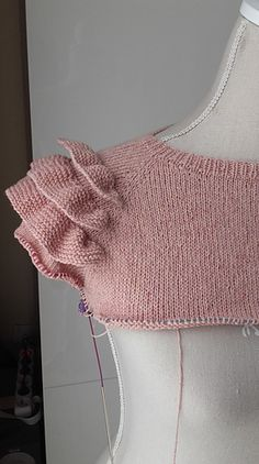 Ravelry: Vexintricot's Frill sleeves