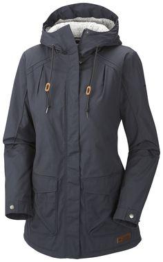 COLUMBIA Prima Element: Die Shell-Jacke mit warmen Berber-Fleece-Futter schmiegt sich perfekt an die weibliche Figur an. Der lange Schnitt schmeichelt der Hüfte und hält auch hier die Kälte ab. Die feinen Biesen am Jackenaufschlag und eine Sturmkapuze machen die Jacke zum modischen Alleskönner für den Alltag. Preis: 149,95 Euro