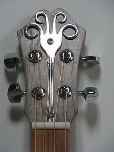 Guitar Shop, Guitar Art, Cigar Box Guitar Plans, Steampunk Guitar, Homemade Musical Instruments, Lap Steel Guitar, Slide Guitar, Ukelele, Guitar Neck