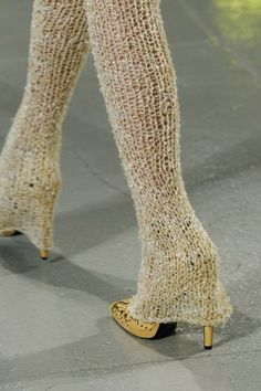 Rodarte Spring 2017 Ready-to-Wear Fashion Show Knit leggings Trend Fashion, Knit Fashion, Fashion Week, Fashion 2017, Fashion Details, Runway Fashion, High Fashion, Fashion Show, Fashion Outfits