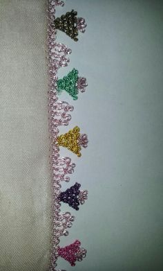 This Pin was discovered by ozl Point Lace, Crochet Borders, Needle Lace, Floral Tie, Tatting, Needlework, Diy And Crafts, Embroidery, Accessories