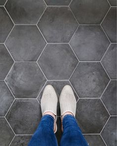 Just arrived in Chicago at the @lhchicago for some fun I'll be sharing more about tomorrow. This trip has me brainstorming bathroom design ideas for the new house big time. If only these hexagon tiles in my hotel room bathroom could come home with me. . . . . . #bathroomdesign #interiordesign #tile #flooring #designinspiration #chicagodesign #urbandesign #blogger #diy #bathroomideas