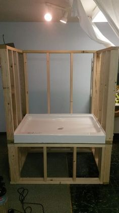 Most current Photo Dog Wash Station Strategies The use of a dog kennel has always been a significant place of contention in the dog's attitude an Dog Bathing Station, Diy Dog Wash, Dog Bath Tub, Dog Grooming Salons, Dog Grooming Shop, Dog Grooming Business, Dog Rooms, Dog Shower, Shower Bathroom