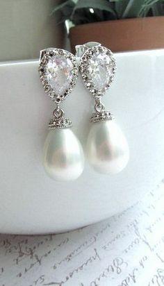 Gorgeous bridal jewelry.