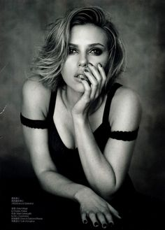(Scarlett Johansson)