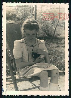 vintage photo PRETTY LITTLE GIRL W/ GUINEA PIG 1940s