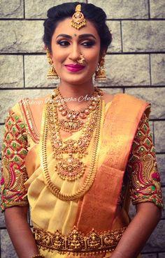 Blouse Designs Silk, Bridal Blouse Designs, Indian Jewellery Design, Bridal Jewellery, Indian Jewelry, Saree Wedding, Wedding Blouses, Bridal Sarees, Wedding Makeover