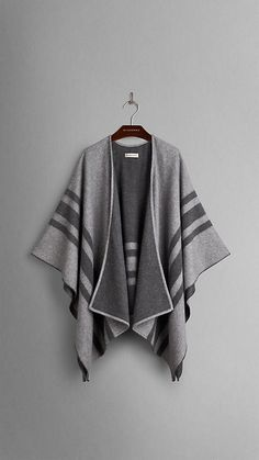Striped Cashmere Merino Wool Wrap from Burberry. Shop more products from Burberry on Wanelo. Diy Poncho, Poncho Sweater, Winter Wear, Autumn Winter Fashion, Minimalist Winter Outfit, Burberry Poncho, Types Of Fashion Styles, Pulls, Casual Chic