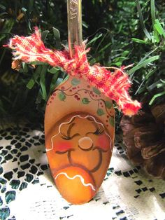 Gingerbread Spoon Ornie Hand Painted Kitchen by PaintingByEileen Painted Christmas Ornaments, Christmas Wood, Christmas Projects, Holiday Crafts, Victorian Christmas, Christmas Ideas, Gingerbread Crafts, Gingerbread Decorations, Christmas Decorations