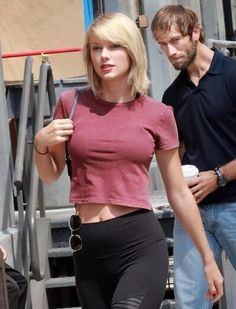 Taylor Swift lookin fierce.