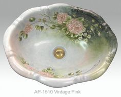 Wow! Floral sink!! Wish I knew how to paint this for my guest bathroom in my cottage