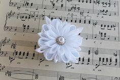 White Bridal Hair Clip, Kanzashi Hair Flower, Bridesmaid Flower, Bridal Hair Flower, Wedding Hair Clip, Kanzashi Bridal Clip, White Wedding