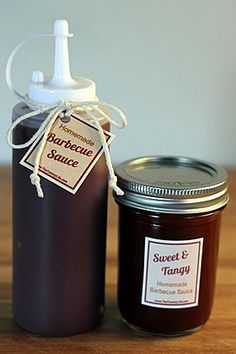 Want to try canning bbq sauce. 3 quick & easy barbecue sauce recipes for sweet & tangy, spicy, or smokey. Suitable for canning & great for gifts. Printable tags, too! Chutneys, Barbecue Sauce Recipes, Bbq Sauces, Barbeque Sauce, Sweet Tangy Bbq Sauce Recipe, Grilling Recipes, Cuisines Diy, Do It Yourself Food, Salsa Dulce