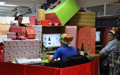 Christmas Desk Decoration Competition - See other awesome Christmas decorations!