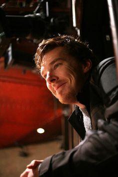 """Hey girl"" by Benedict Cumberbatch - He wants to cuddle! Sherlock Bbc, Benedict Cumberbatch Sherlock, British Men, British Actors, Martin Freeman, Gorgeous Men, Beautiful People, Benedict And Martin, Mrs Hudson"