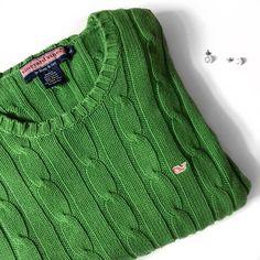 V i n e y a r d V i n e s • S w e a t e r • Sz M Vineyard Vines green cotton cable crew sweater, excellent condition. Sz M Vineyard Vines Sweaters Crew & Scoop Necks