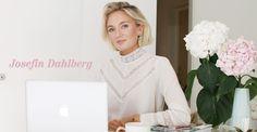 Blogger Work desk inspo