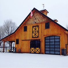 Barn- Hay loft up top, maybe and up stairs tack room. Once side for horses and the other for tractors :) Dream Barn, Dream Stables, Horse Barns, Old Barns, Small Barns, Lofts, Plan Garage, Rv Garage, Hay Loft