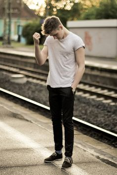 Simple. T shirt , chinos , suede wingtips oxfords. love this on a guy. simple. the clothes dont make him he makes his clothes work.
