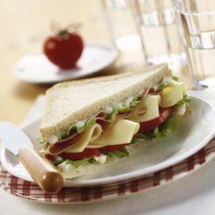 Locker-würziges Miracel Whip Käse-Schinken Sandwich