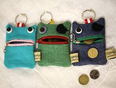 Big Money Monster - Coin purse- Phone Link to a website in NZ that sells them. Posting for inspiration. Ugly Sweater Cookie, Recycle Jeans, Sewing Class, Christmas Bags, Monster Party, Fabric Bags, Kids Bags, Sewing For Kids, Zipper Pouch