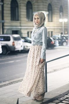 I'm a Muslim and i love this outfit but it can be worn without a hijab as well. I think its so awesome how we can still be fashionable but still wear a hijab Islamic Fashion, Muslim Fashion, Modest Fashion, Tumblr Outfits, Mode Outfits, Moslem, Modele Hijab, Hijab Fashion Inspiration, Fashion Ideas