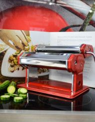 Roll the perfect pasta, everytime with the help of the Jamie Oliver Pasta Maker. For dads who love to cook, this Father's Day gift will sure be a hit around the dinner table. Pasta Maker, Jamie Oliver, Dinner Table, Fathers Day Gifts, The Help, Something To Do, Dads, Cook, Recipes