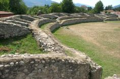 Ulpia Traiana Sarmizegetusa Ancient Civilizations, Romans, Stepping Stones, Mythology, Golf Courses, Culture, Explore, Architecture, Outdoor Decor