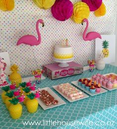 Little Housewife: Fruity Pineapple Flamingo Party Pink Flamingo Party, Flamingo Birthday, Luau Birthday, First Birthday Parties, Birthday Ideas, Summer Birthday, Party Summer, Aloha Party, Luau Party